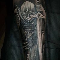 Logo empresa: phiro tatuajes