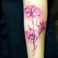 Logo empresa: watercolor tattoo