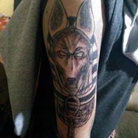 Logo empresa: empire in reverse tattoo